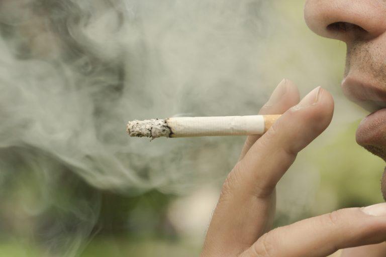 Ako ste dugogodišnji pušač, ovaj napitak će vam vratiti pluća u život (RECEPT)
