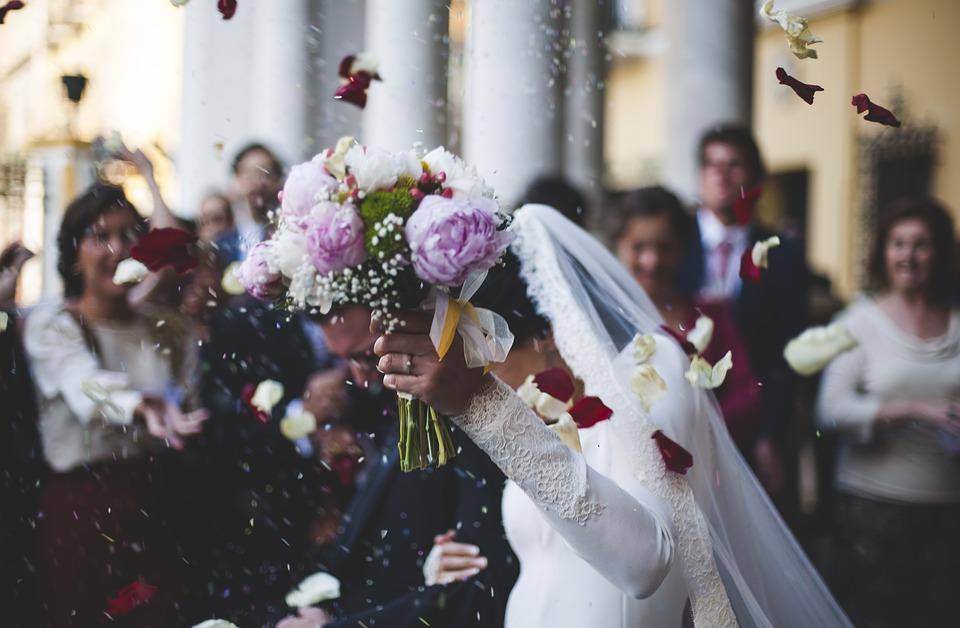 Poznati reditelj oženio 20 godina mlađu (FOTO S VENČANJA)