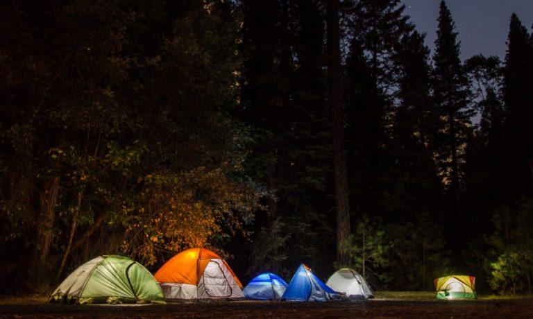 Odmor pod vedrim nebom: Pet idealnih mesta za kampovanje u Srbiji
