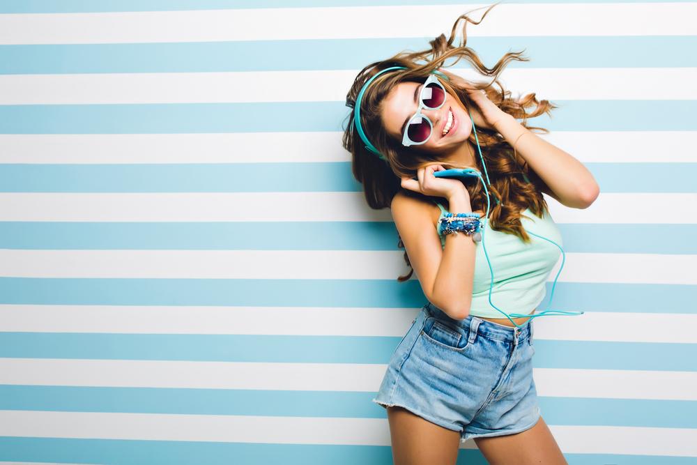 Modni saveti za niske devojke: Uz pomoć ovih trikova izgledaćete više (FOTO)