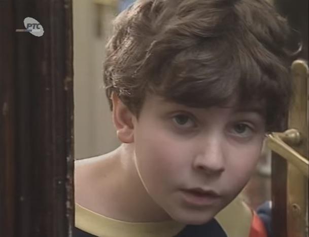 """Sećate ga se kao malog Zlatka iz serije """"Metla bez drške"""", danas ga ne biste prepoznali (FOTO, VIDEO)"""