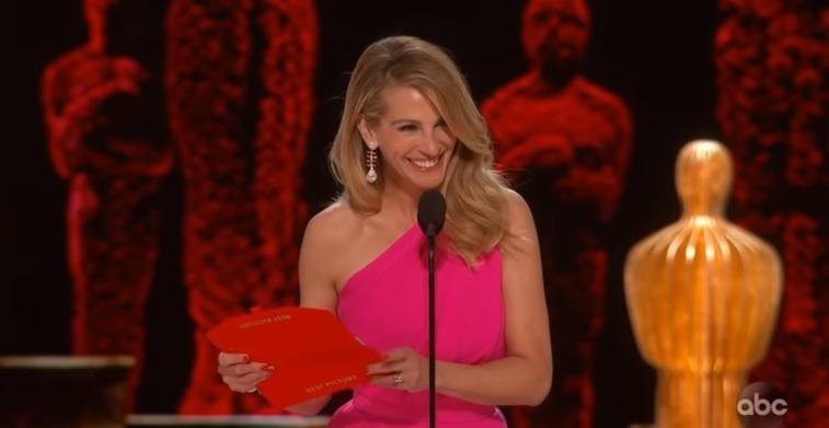 Džulija Roberts oduševila elegancijom i sve razoružala širokim osmehom na dodeli Oskara (VIDEO)