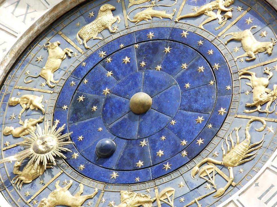 Horoskop za petak, 8. februar: Škorpijama šansa da ostvare bolju zaradu, Rakovi će saznati istinu o partneru