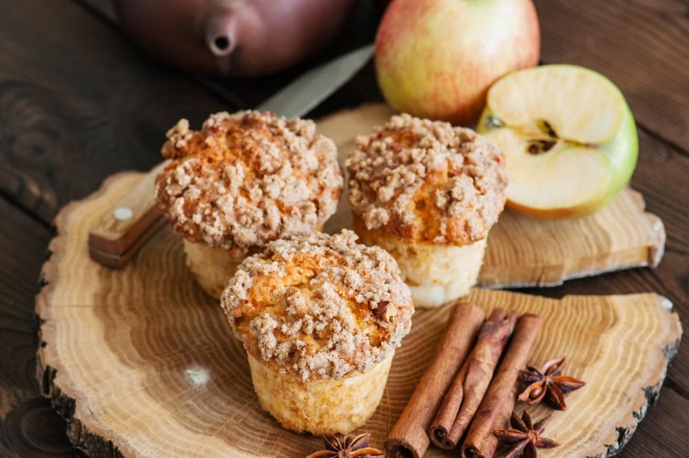 Pravi dezert za nedeljno popodne: Recept za sočne mafine s jabukama