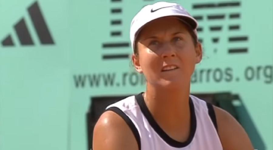 Monika Seleš se posle mnogo godina pojavila na crvenom tepihu i izgleda bolje nego ikad (FOTO, VIDEO)