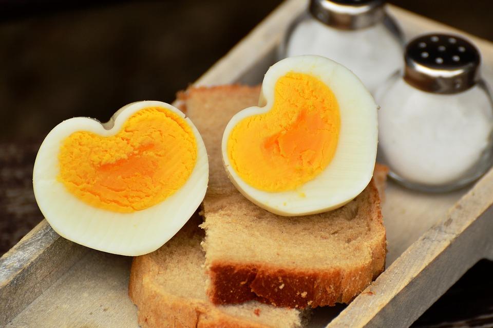 Žuta su bolja od belih i još šest zabluda o jajima koje niste znali