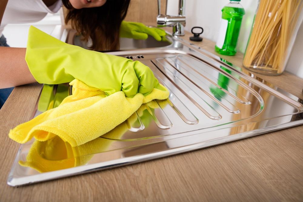 Kuhinja će blistati: Ne košta skoro ništa, a kao od šale čisti masonoću i prljavštinu