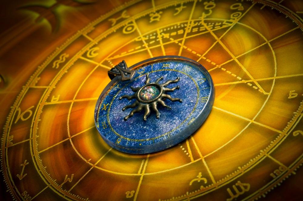 Nedeljni horoskop: Devicama dobar period za finansije, Lavovi računajte na poklon od partnera