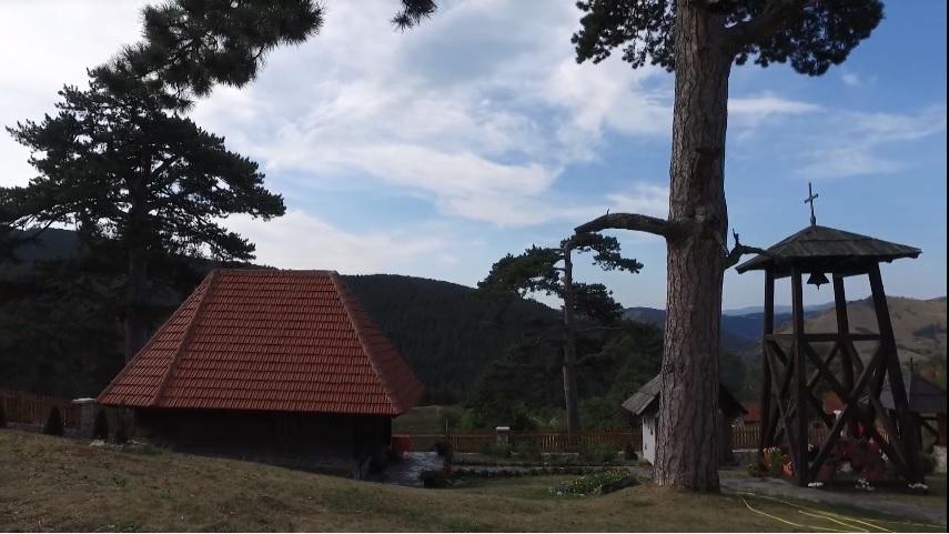 Turisti zapanjeni sablasnim prizorom u jednom od najlepih zlatiborskih sela (FOTO)