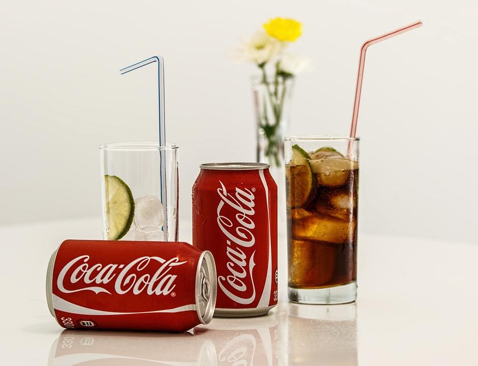 Skinite fleke i umirite svrab: Ne bi vam palo na pamet da koka-kola može sve ovo (VIDEO)