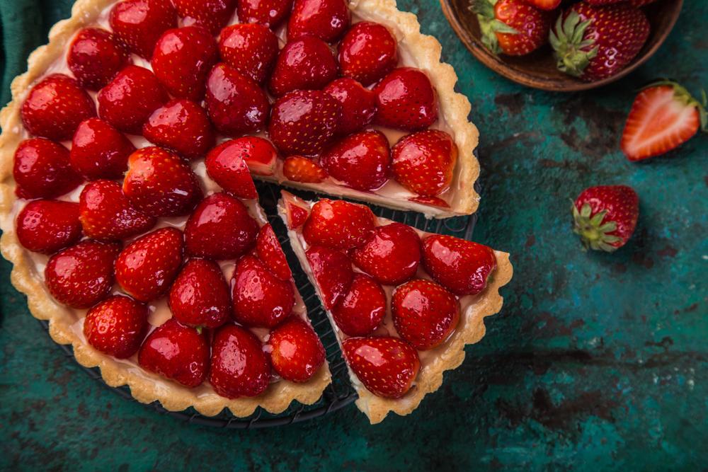Osvežavajuća i kremasta: Voćna torta sa jagodama