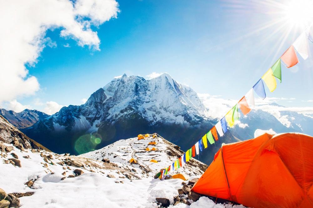 Bizarno: Grupa planinara se pela na Mont Everest a niko nije primetio uznemirujući detalj (FOTO)