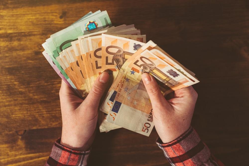 Ovih osam znakova pokazuju da biste uskoro mogli dobiti novac