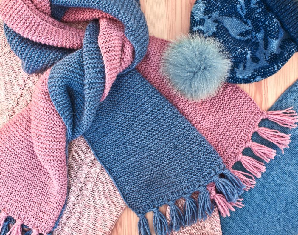 URADI SAM: Od starog džempera napravite modernu kapu i šal (VIDEO)