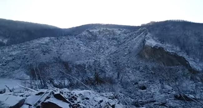 Posao za Moldera i Skali: U Rusiji preko noći niklo brdo od 150 metara, uzrok vanzemaljci ili meteor? (VIDEO)