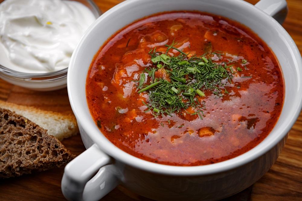 Ne bacajte ostatke hrane: Tri ruska specijaliteta koje možete napraviti od onoga što se ne pojede (RECEPT)