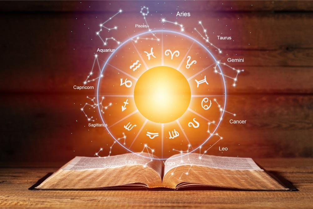 Mesečni horoskop za maj: Od 6. maja Blizancima povišica, Strelčevi imaju problema s ljubomorom