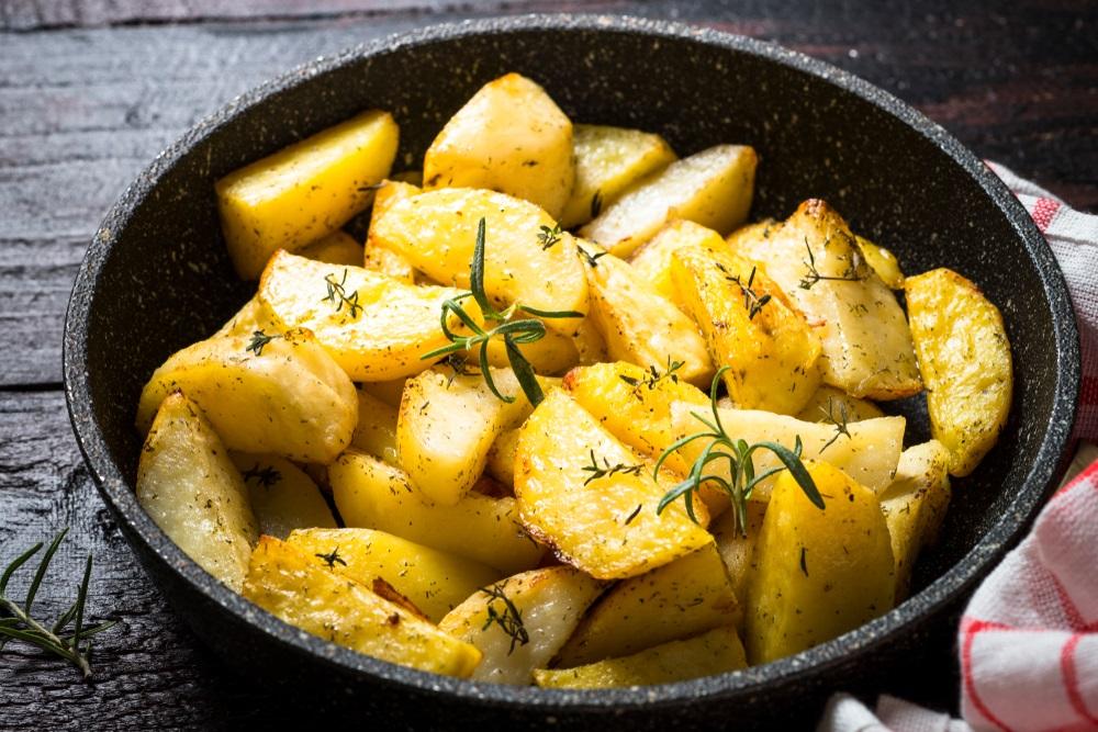 Košta manje od 100 dinara: Recept za krompir za koji će svi tražiti tanjir više!