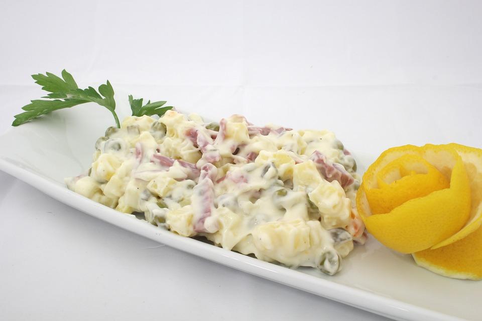 Bez ovog sastojka ruska salata nije prava: Ukus koji se nikad ne zaboravlja!