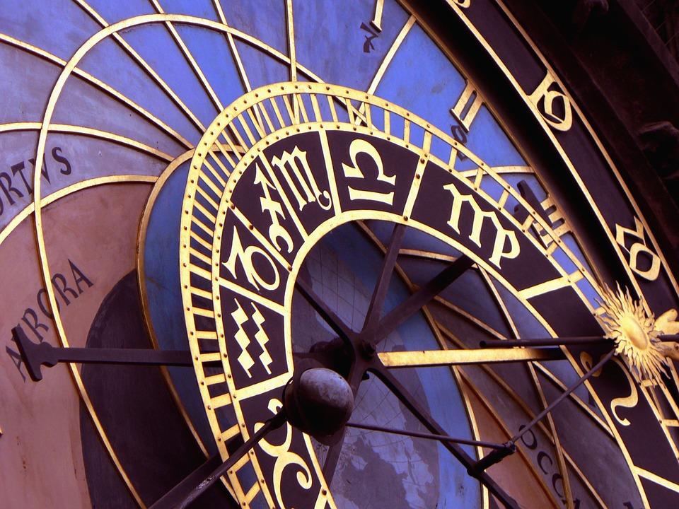 Mesečni horoskop za april: Blizance očekuje novčani dobitak, a evo kada će Lavovi naći posao