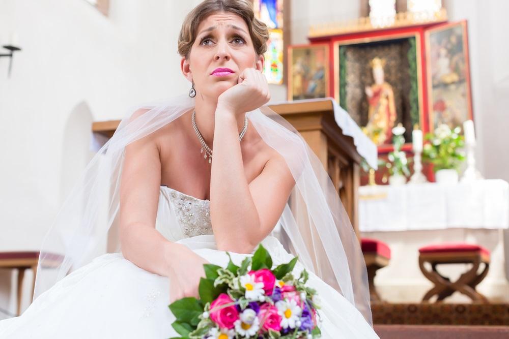 Čekala mladoženju pred oltarom, pa pobesnela kad je saznala zašto je odlučio da ne dođe (FOTO)