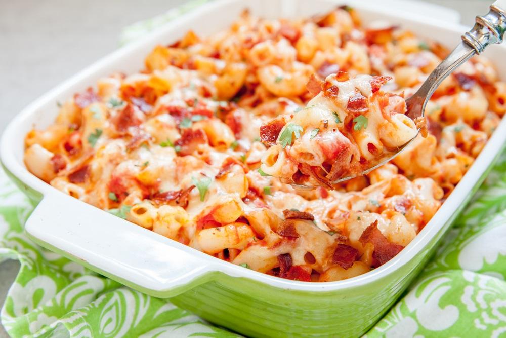 Užitak za ljubitelje testenine: Makarone sa slaninom i sirom