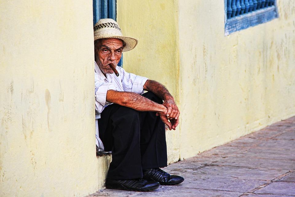 Uvode novi zakon: Na Havajima zabranjeno pušenje za mlađe od 100 godina