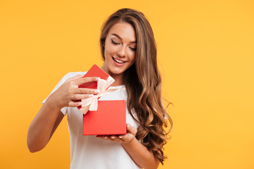 Datum rođenja otkriva idealan poklon za svaku ženu za 8. mart