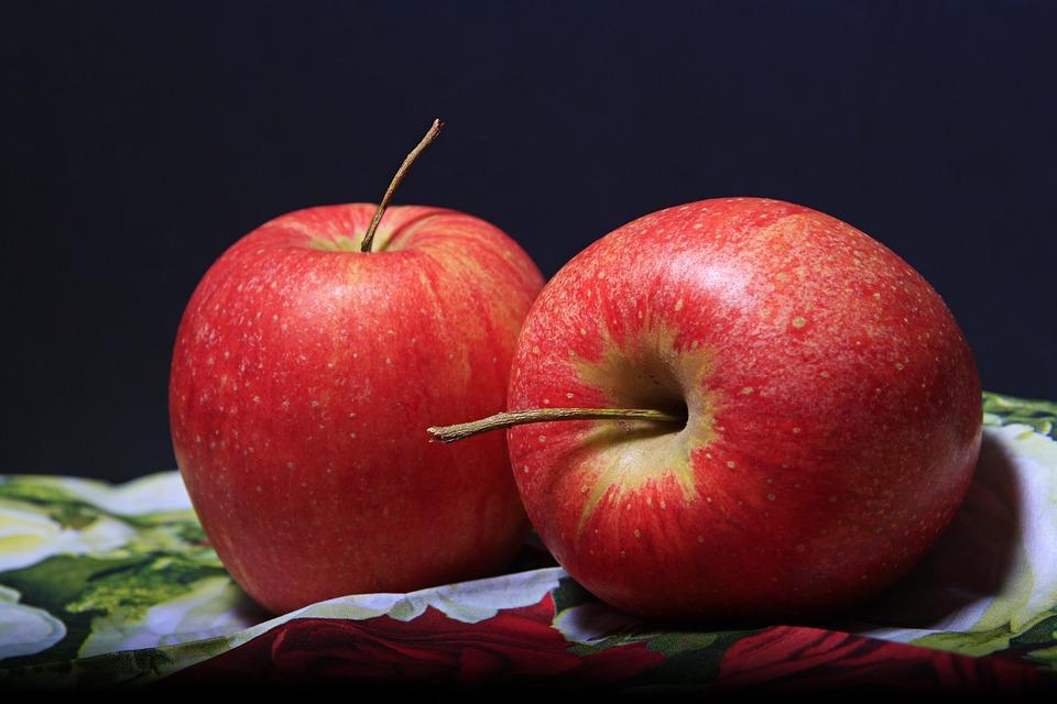 Zamolila ćerku da joj doda jabuku, sve je mogla da očekuje, ali ne i ono što je usledilo