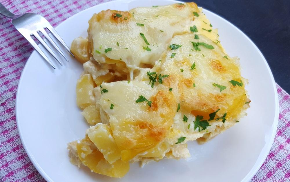Najsočniji pečeni krompir sa sirom (RECEPT)