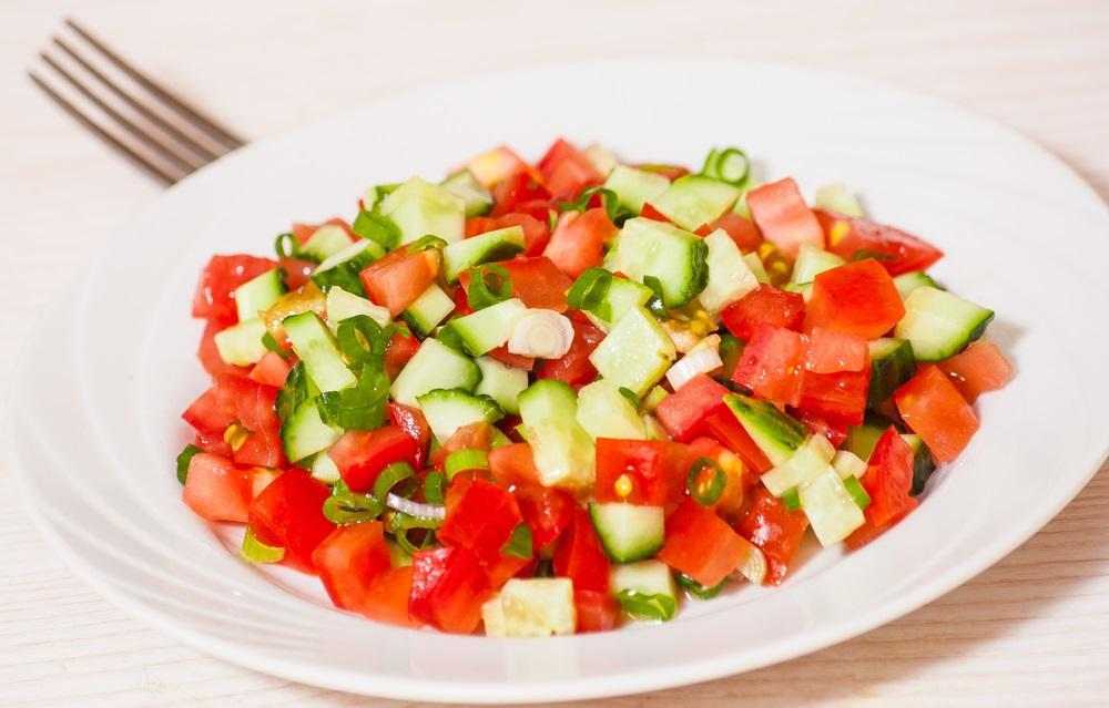 U Srbiji obožavaju šopsku salatu, a ni ne slutimo koliko je zapravo loša